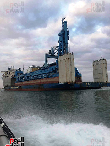 الكراكة مهاب مميش تنضم لأسطول قناة السويس (16)