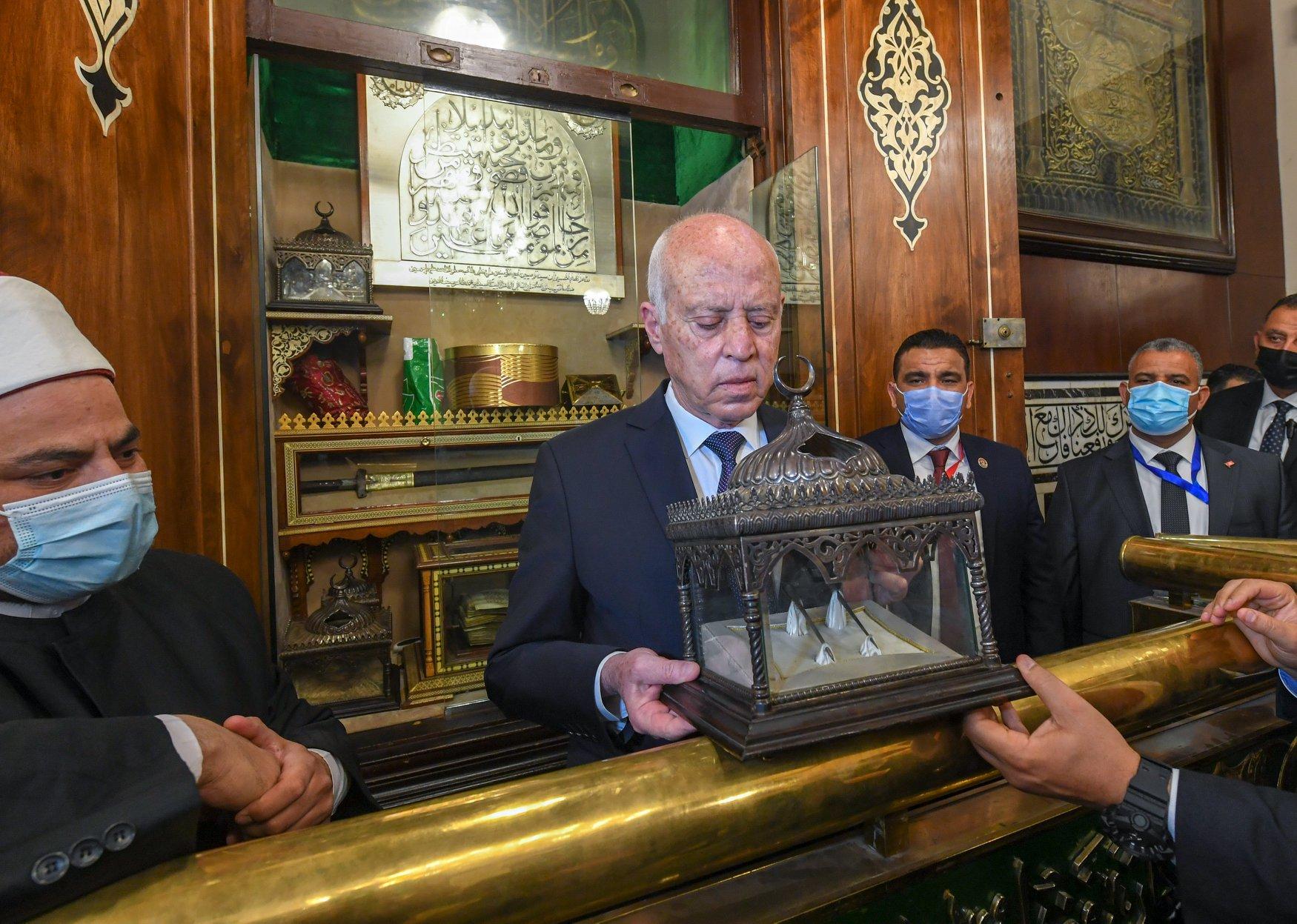 الرئيس التونسى فى الحسين (4)