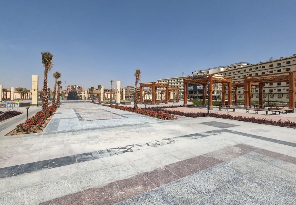 بلازا النيل بمدينة أسوان