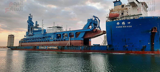 الكراكة مهاب مميش تنضم لأسطول قناة السويس (5)