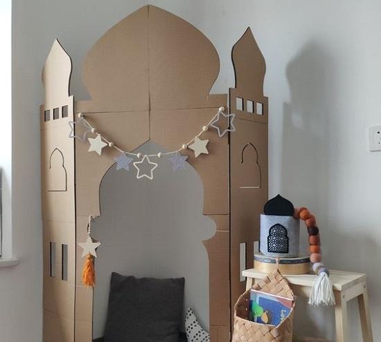 ديكورات رمضان.. مسجد من الكرتون (5)