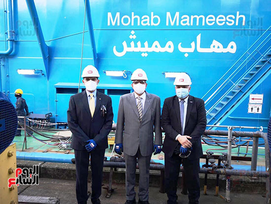 الكراكة مهاب مميش تنضم لأسطول قناة السويس (3)