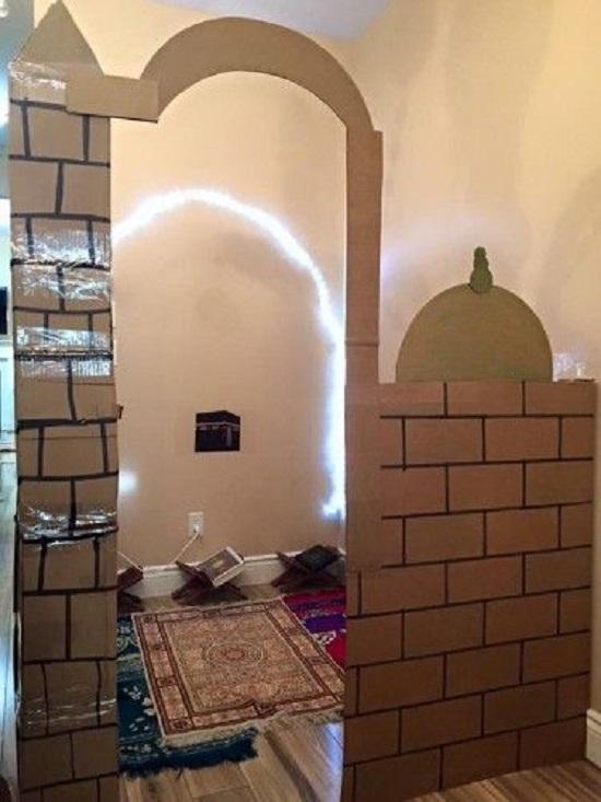 ديكورات رمضان.. مسجد من الكرتون (2)