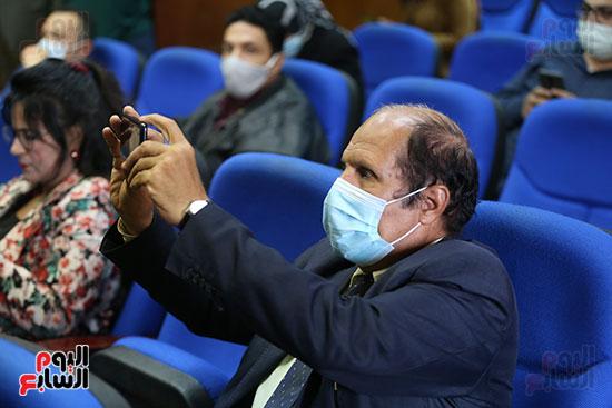 وزير التعليم العالى  الدكتور محمود صقر رئيس أكاديمية البحث العلمى  (5)