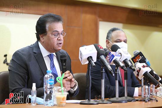 وزير التعليم العالى  الدكتور محمود صقر رئيس أكاديمية البحث العلمى  (3)