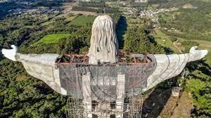 البرازيل تنشأ تمثال