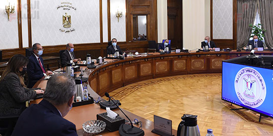 رئيس الوزراء يستعرض إجراءات منظومة الرقم القومي الموحد للعقارات (6)