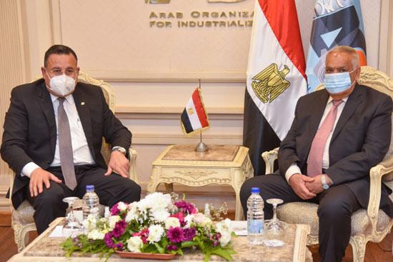 الفريق عبد المنعم التراس رئيس الهيئة العربية للتصنيع (3)