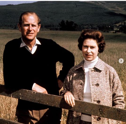 الملكة اليزابيث والامير فيليب