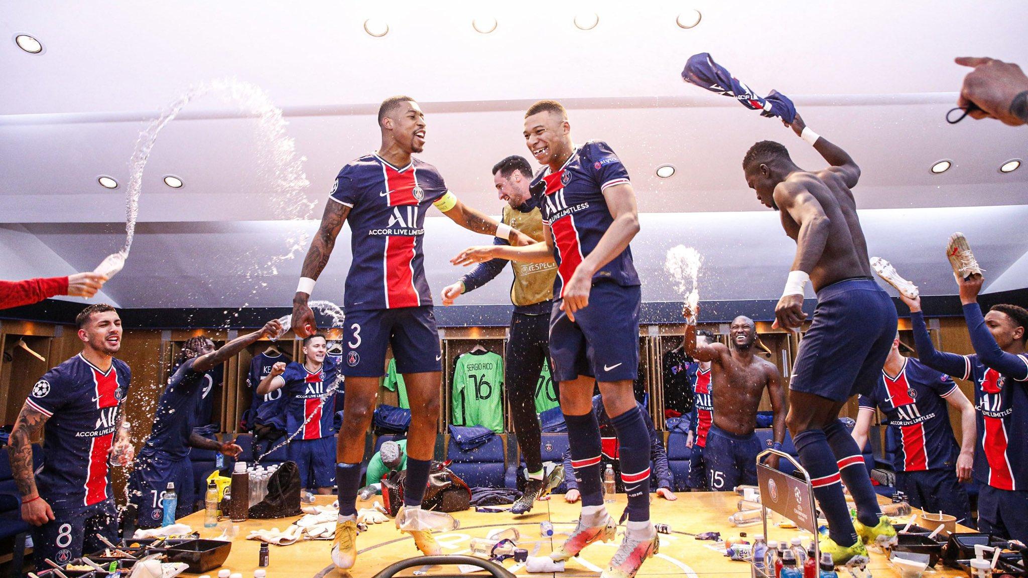 احتفالات لاعبى باريس سان جيرمان