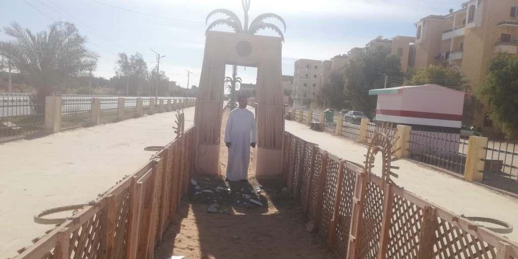سياجات ممشى سياحى مصنوع من جريد النخيل فىا لوادى الجديد (3)