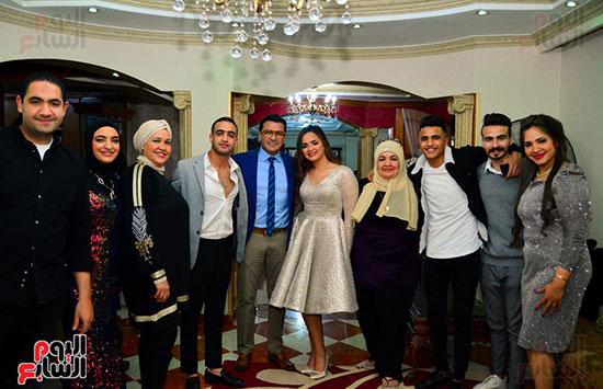 محمد-رجب-مع-العائلة