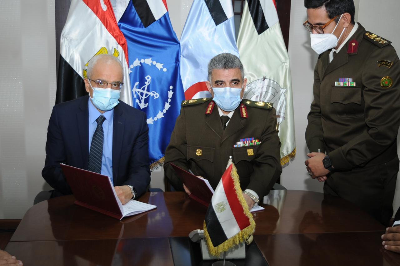 420211516658725-القوات المسلحة توقع بروتوكول تعاون مع وزارة الصحة والسكان (2)