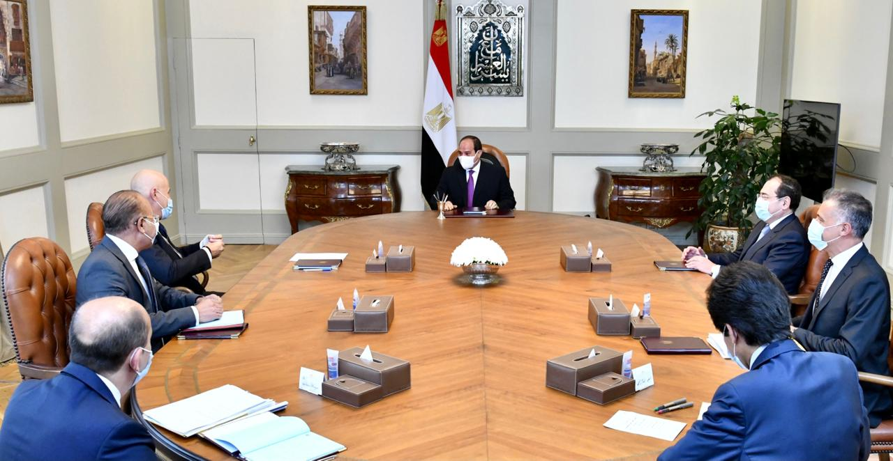 الرئيس السيسى يلتقى الرئيس التنفيذى لشركة إينى الإيطالية للطاقة
