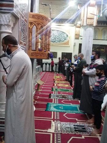 جانب من التزام المصلين بكفر الشيخ