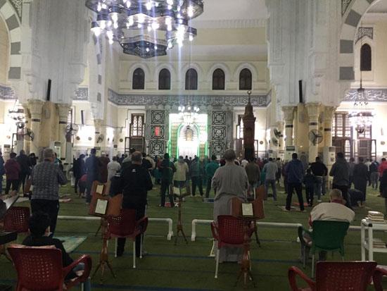 صلاة-التراويح-من-مسجد-أبو-بكر-الصديق-أقدم-وأكبر-مساجد-الإسماعيلية-(2)