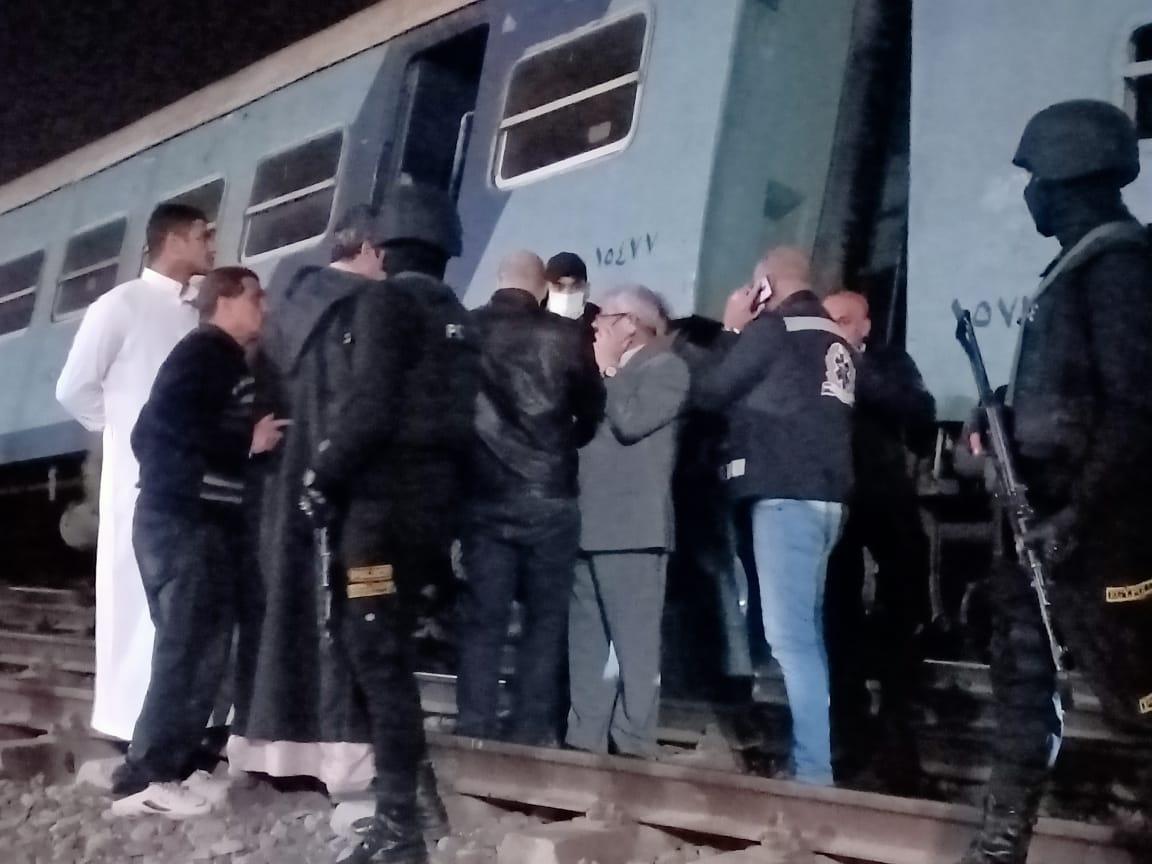 خروج قطار عن القضبان بالشرقية  (10)