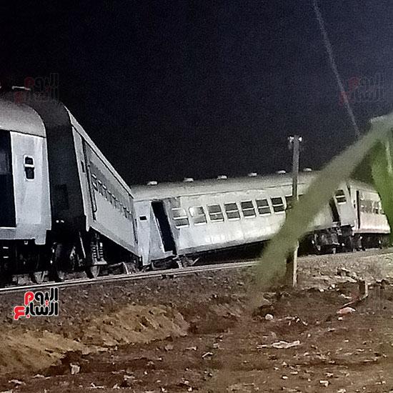 القطار-