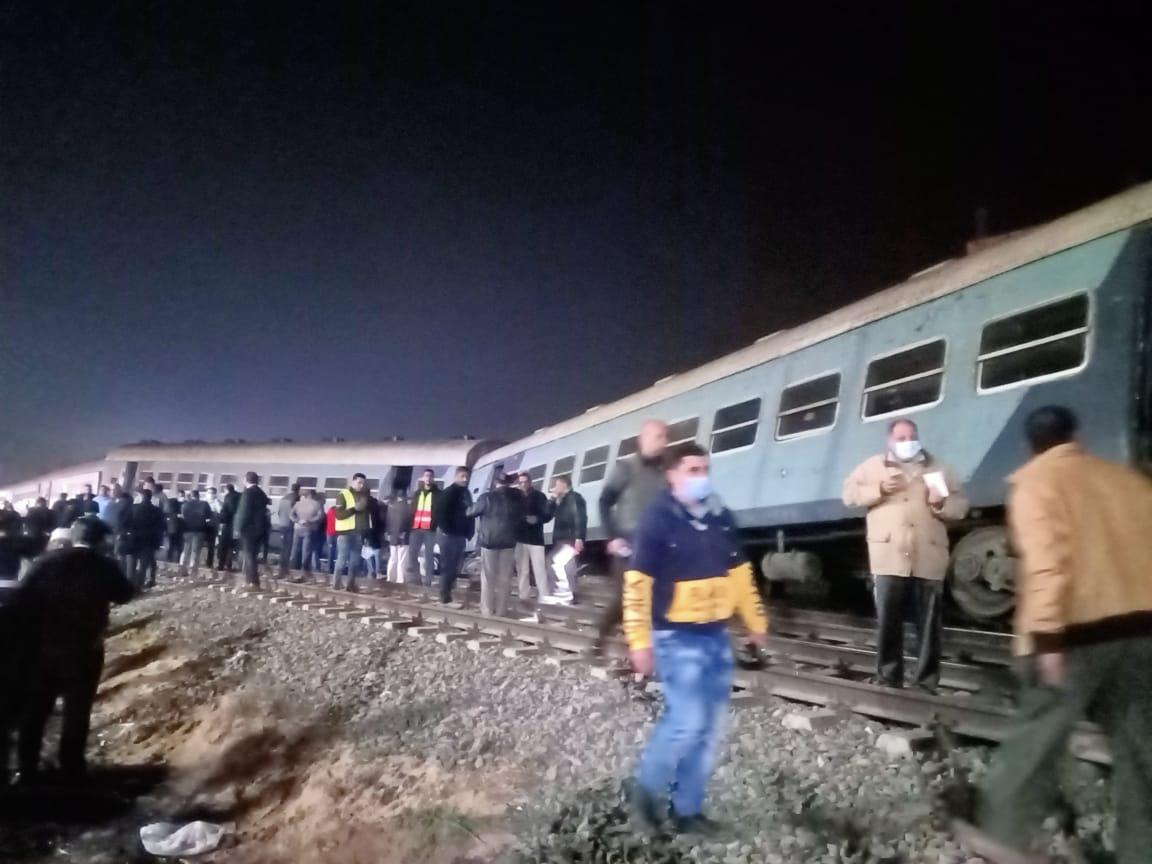 خروج قطار عن القضبان بالشرقية  (11)