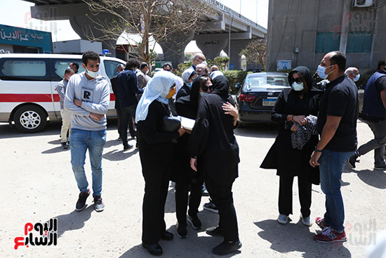 تشييع جثمان الكاتب الصحفى الراحل مكرم محمد أحمد (1)
