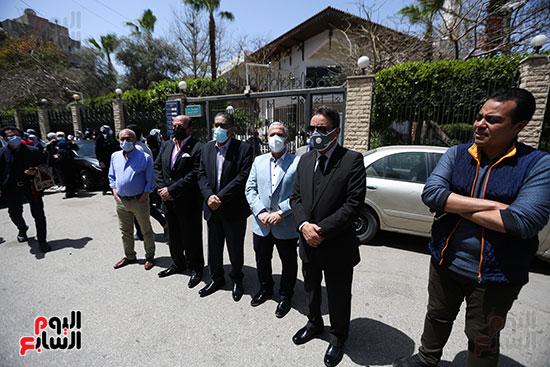 تشييع جثمان الكاتب الصحفى الراحل مكرم محمد أحمد (5)