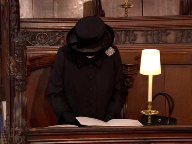 الملكة إليزابيث فى الجنازة