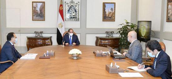 الرئيس-السيسي-يتابع-موقف-مشروعات-المدن-الجديدة-والطرق-وتطوير-العشوائيات