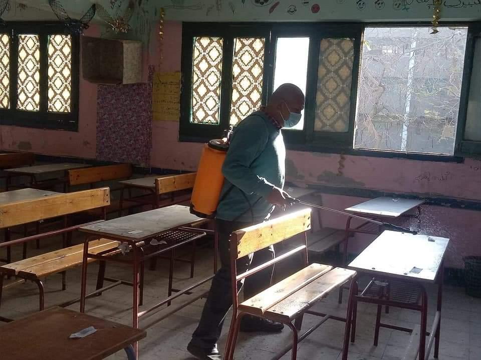 استعدادات مدارس الثانوية للامتحان التجريبى (4)