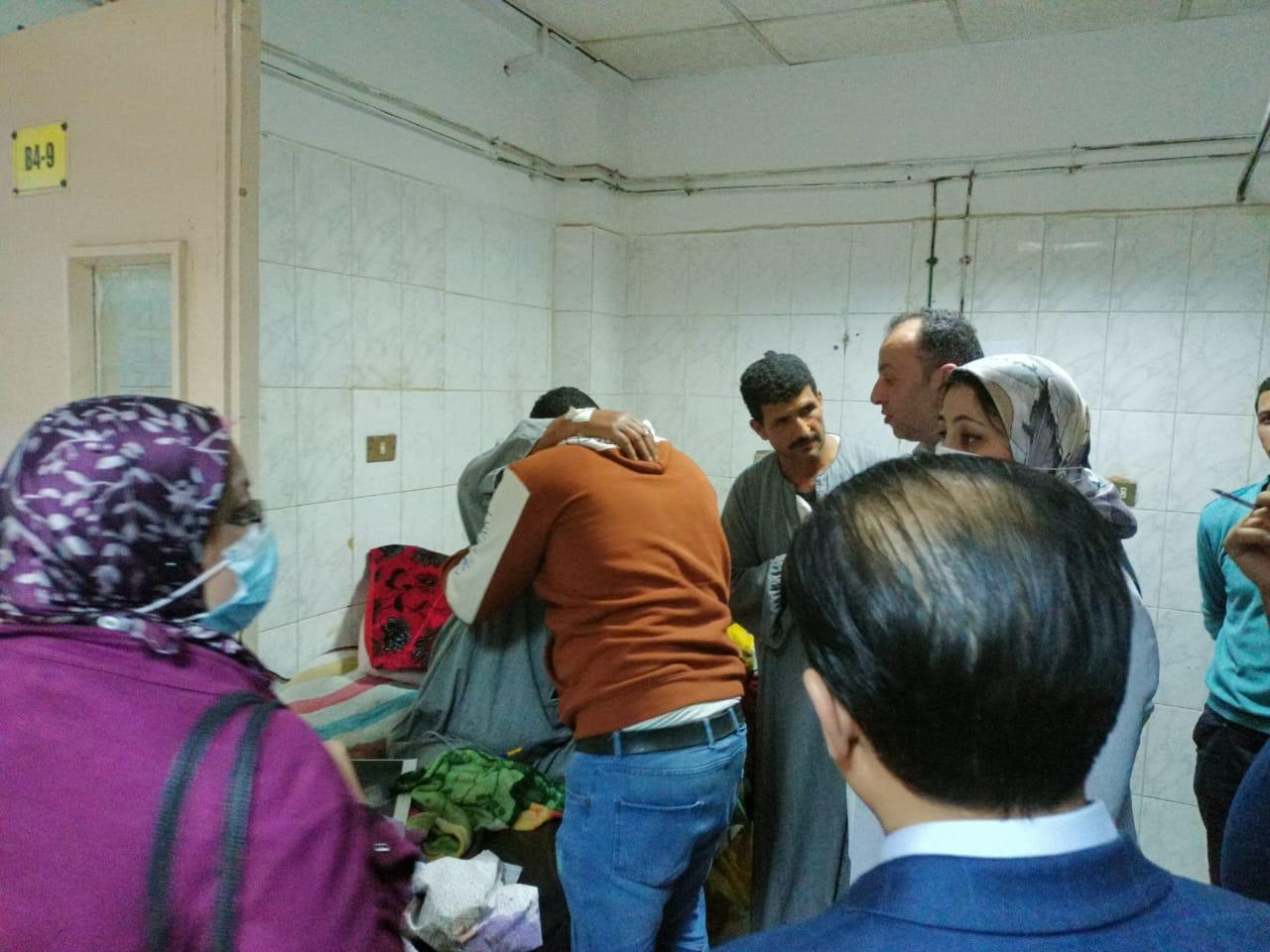 42021191222954-زيارة الوفد للمصابين