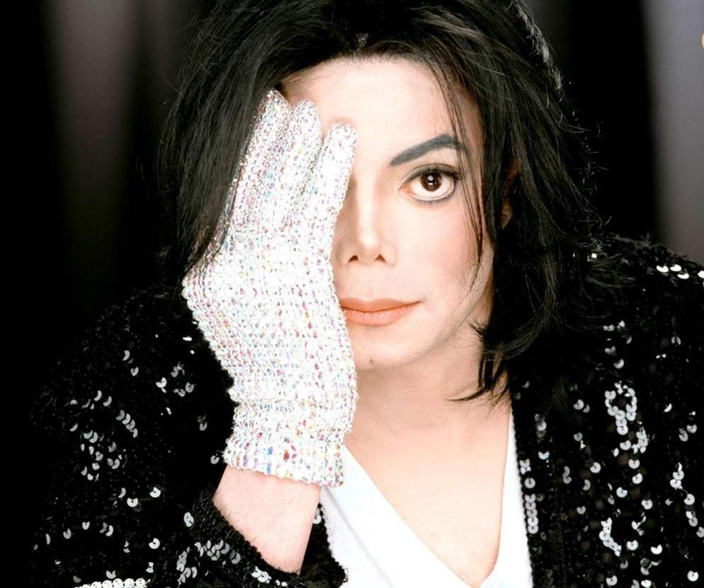 النجم مايكل جاكسون  (1)