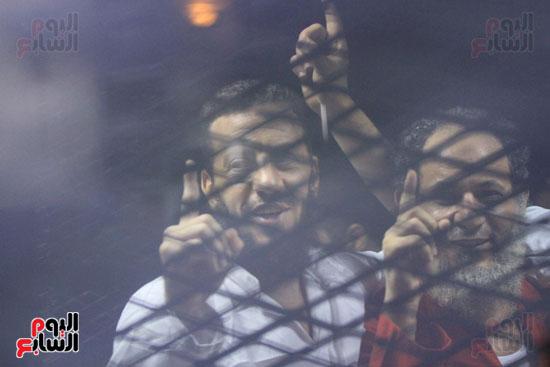المتهمون باغتيال نبيل فراج أثناء محاكمتهم