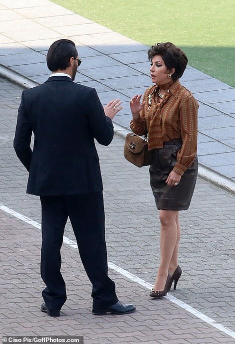 ليدي جاجا فى احدى مشاهد تصوير فيلمها