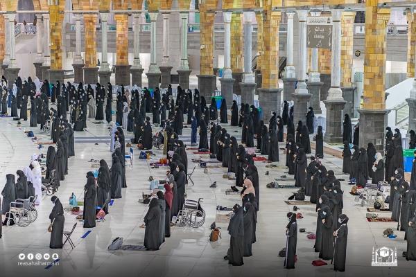 العاملات بالمسجد الحرام