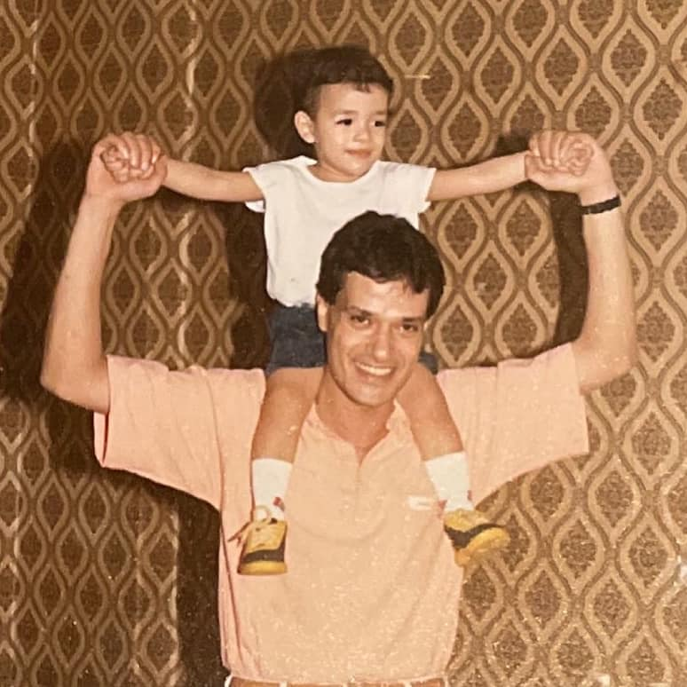 محمد إبراهيم يسرى مع والده الراحل