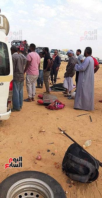 حادث تصادم سيارتين بأسوان  (2)