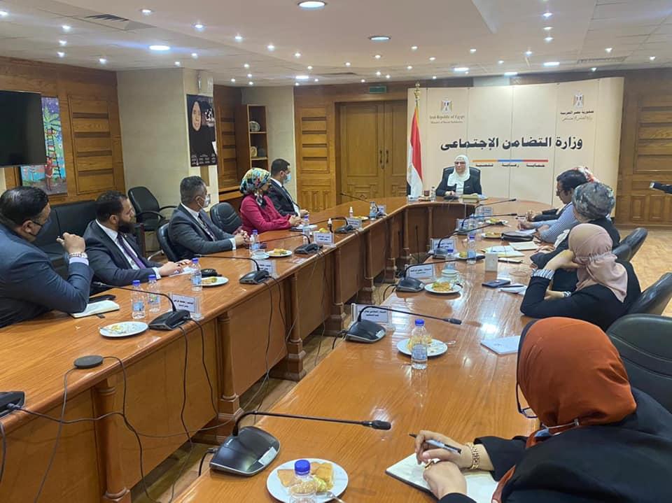 وفد تنسيقية شباب الاحزاب يبحث مع وزيرة التضامن جهود العمل المشترك