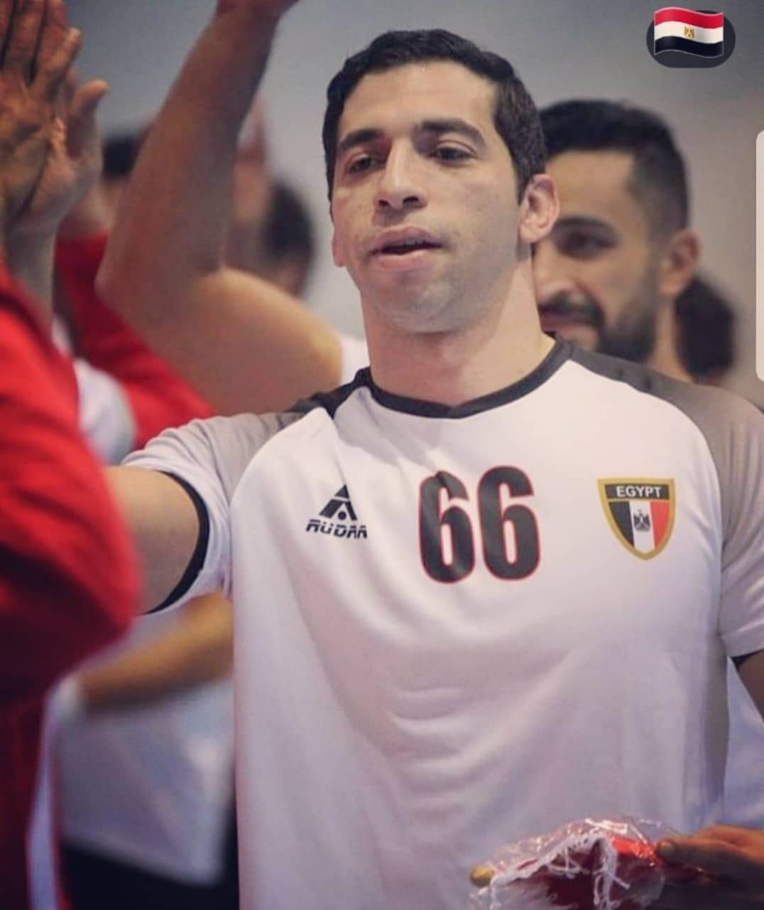 احمد الاحمر (6)