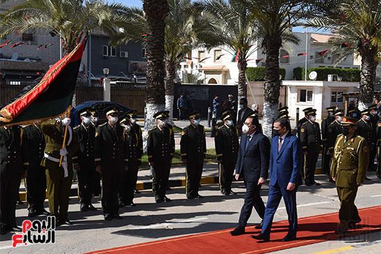 زيارة رئيس الوزراء لليبيا