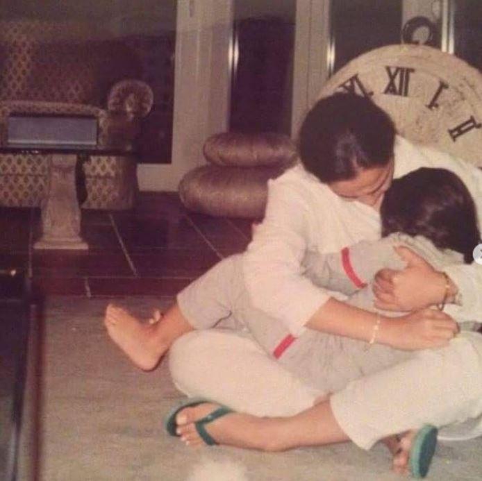 شريهان وابنتها في طفولتها