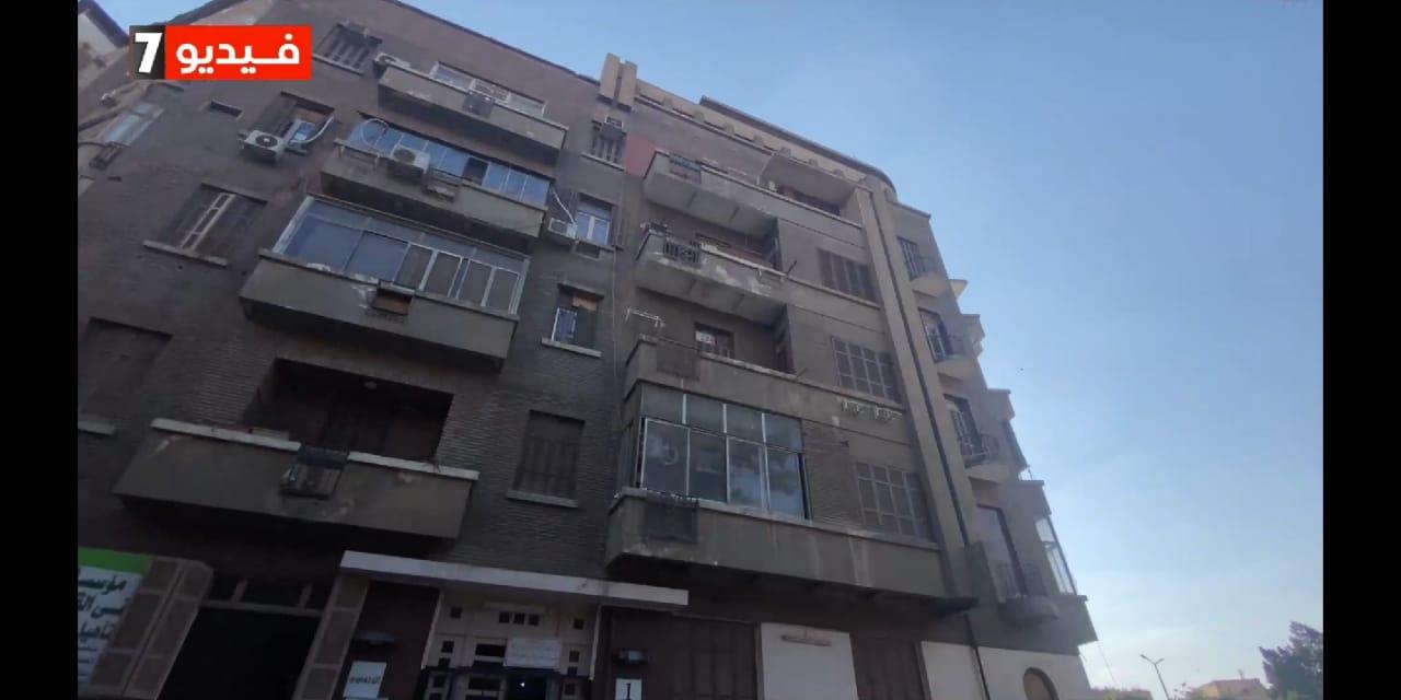 مسرح جريمة مقتل المخرج نيازى مصطفى فى شقته بالدقى