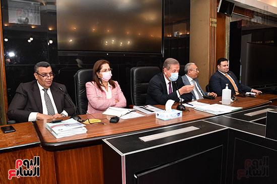 اجتماع لجنة الخطة والموازنة  (7)