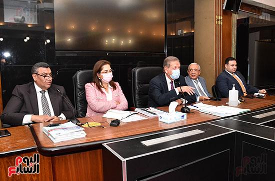 اجتماع لجنة الخطة والموازنة  (6)