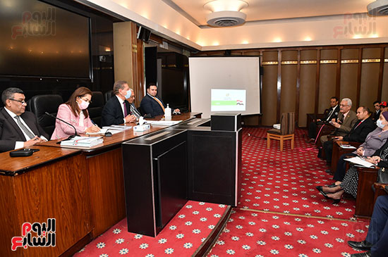 اجتماع لجنة الخطة والموازنة  (5)