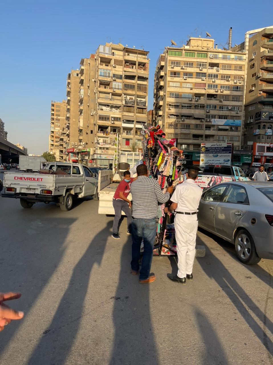 جانب من الحملة بشارع عباس العقاد