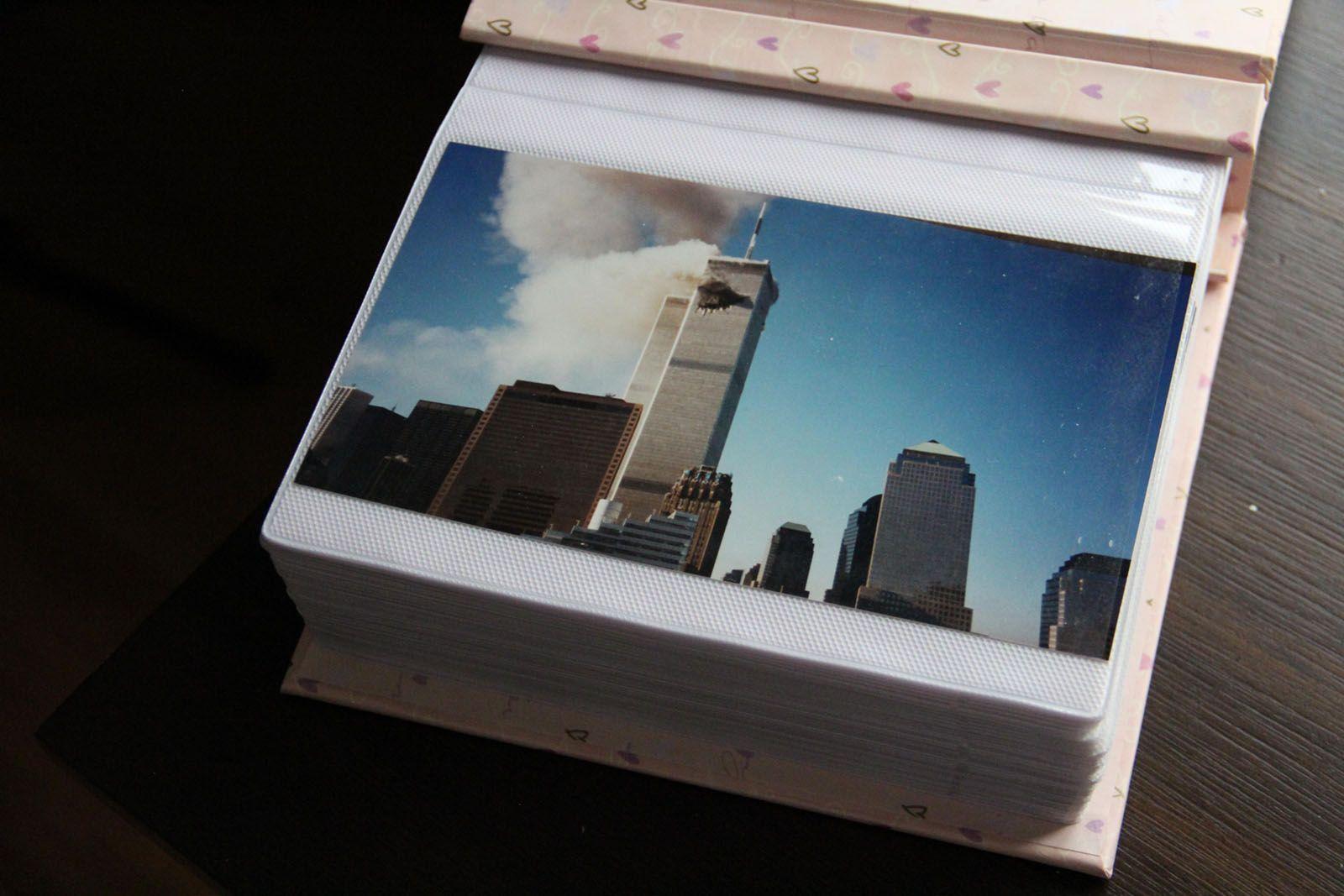 إحدي الصور بالألبوم