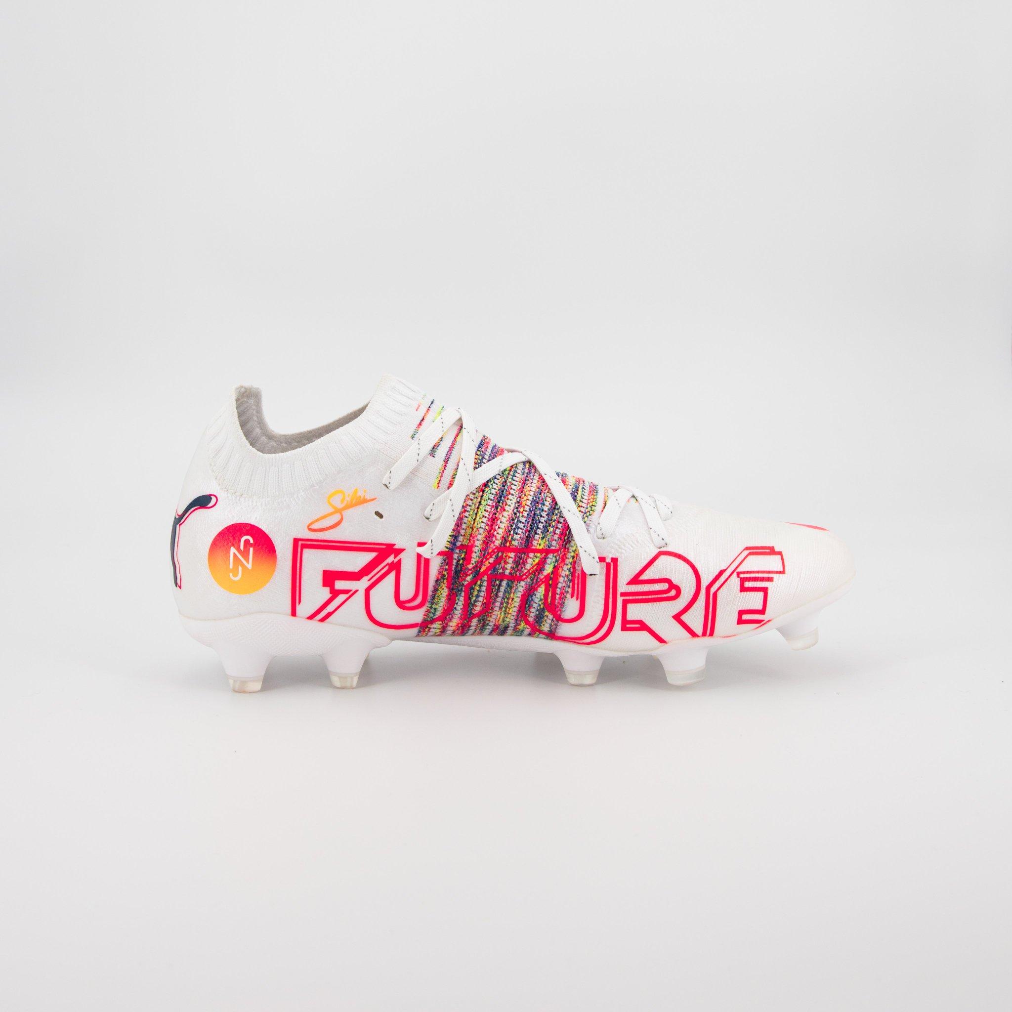 حذاء نيمار الجديد