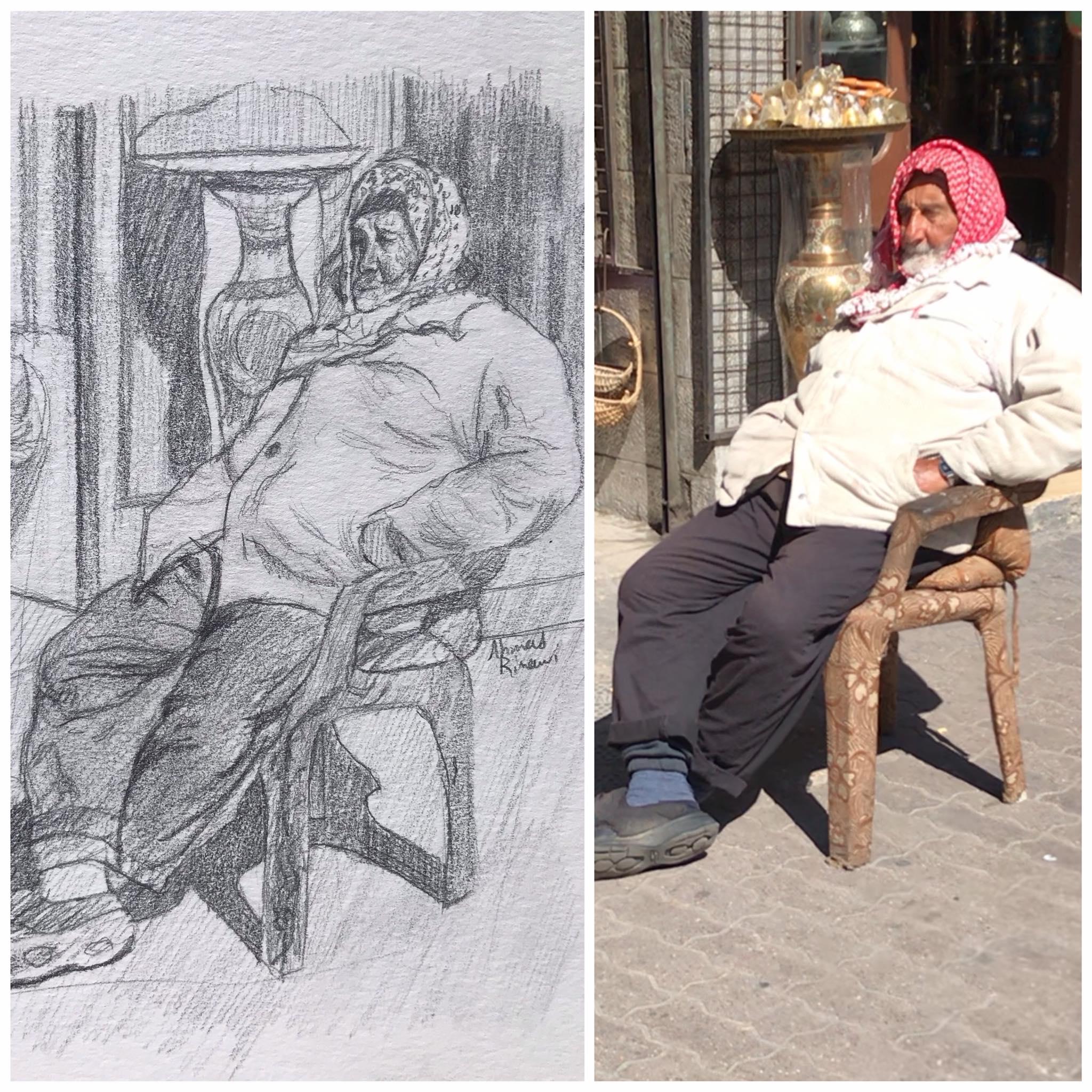 رجل يجلس بجانب محله