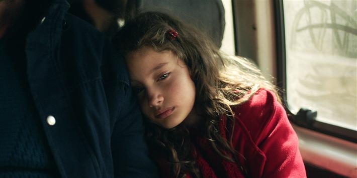 الطفلة ياسمين ابنة بطل الفيلم