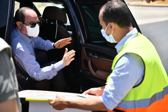 الرئيس يتفقد الأعمال الإنشائية لتطوير الطرق والمحاور بمنطقة شرق القاهرة