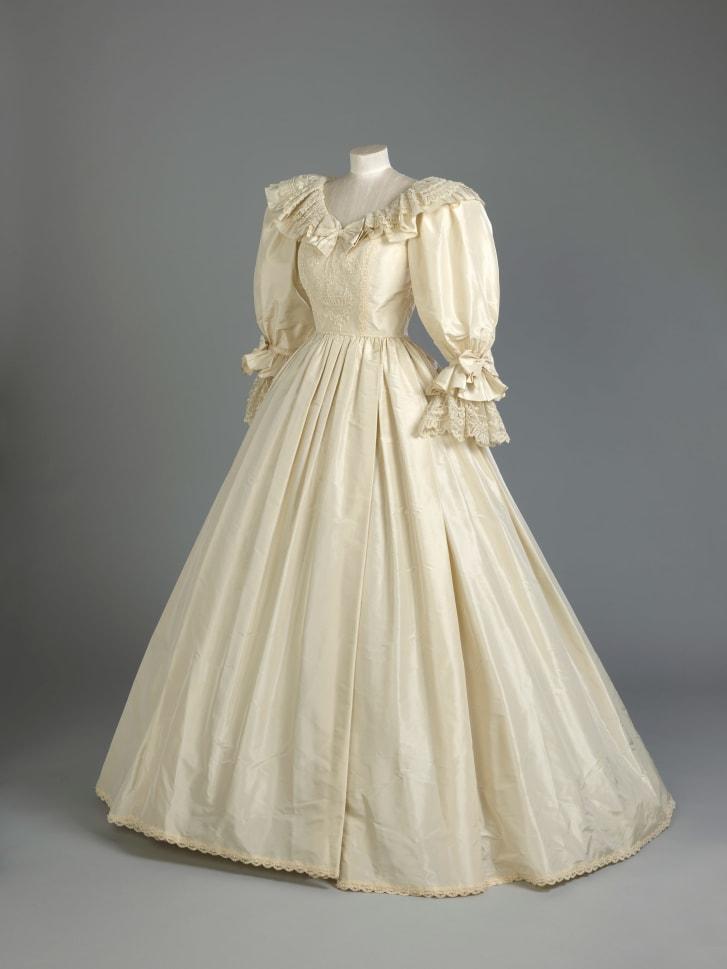 فستان الاميرة ديانا